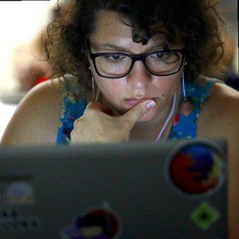 Mariana Bedran Lesche, Full-Stack Developer at Lincoln Loop